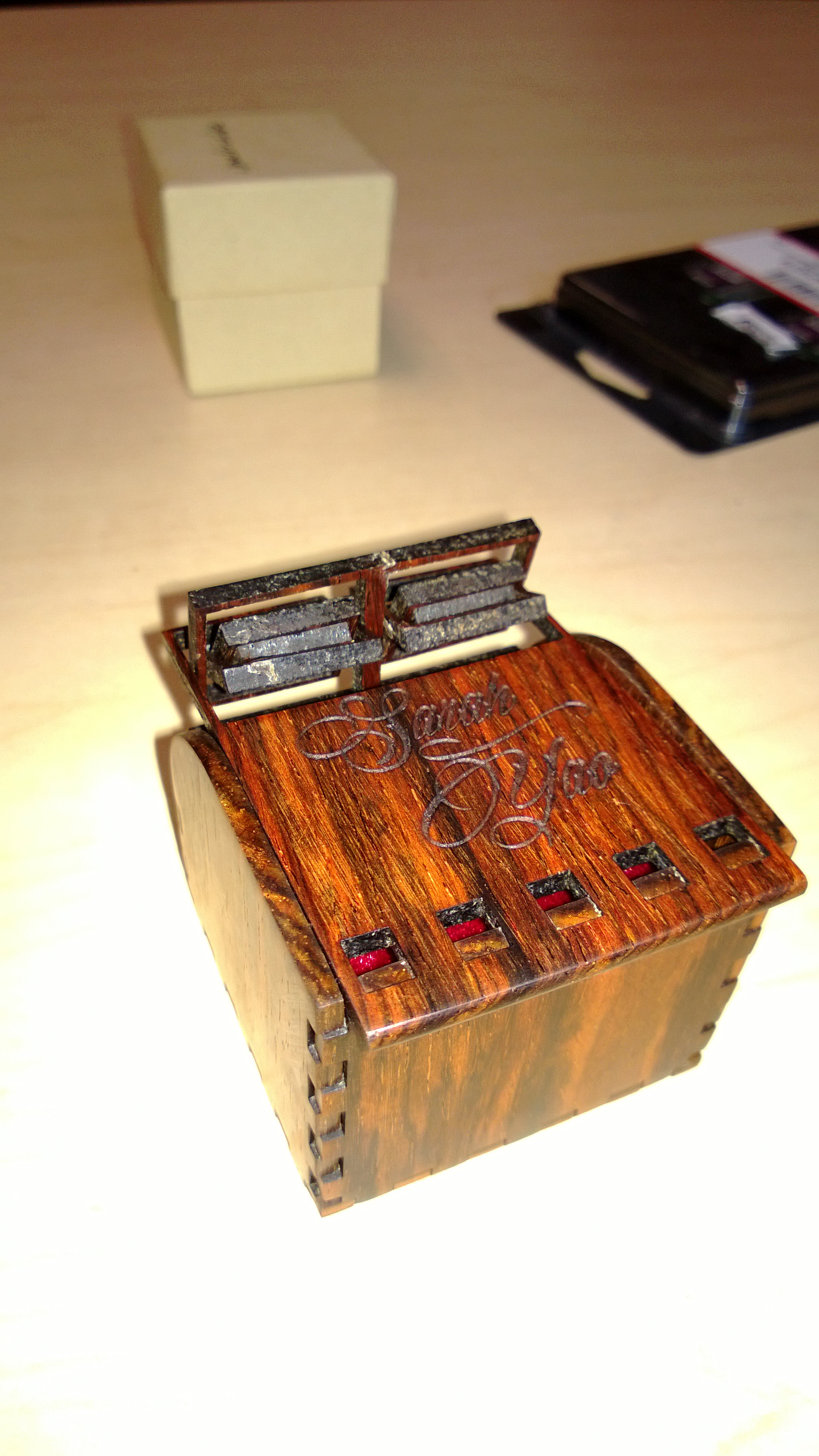 ReidB.net -- Laser Cut Boxes with Living Hinges